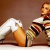 Britney Spears chooses snow-white high boots Best legs net photo gallery