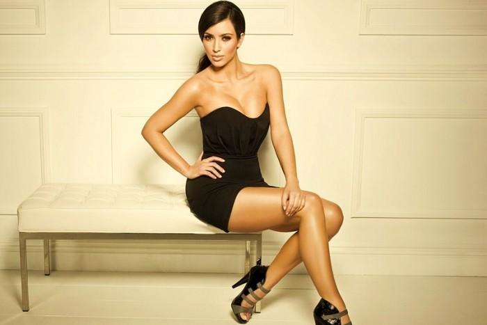 Kim Kardashian perfect feet in high heels Best legs net photo gallery