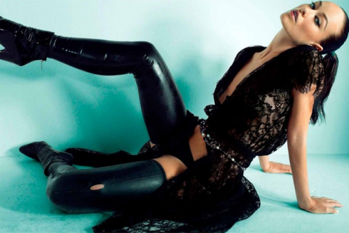 Olivia Wilde hit the mark wearing her hottest legs in latex Best legs net photo gallery